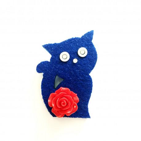 Kočka s růží